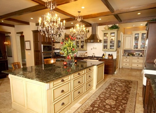 French country house susan berry home design for Country kitchen designs layouts